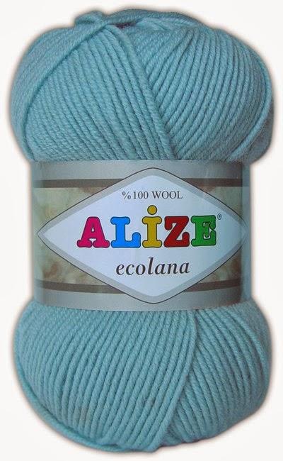 Пряжа для вязания варежек и шарфа крючком