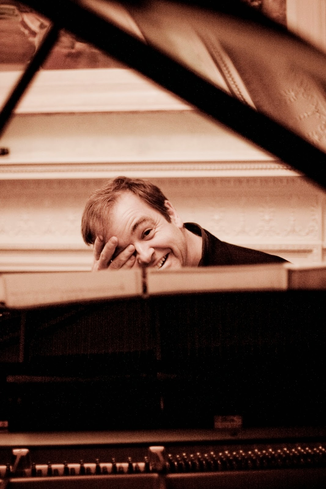 Julius Drake - photo credit Marco Borggreve