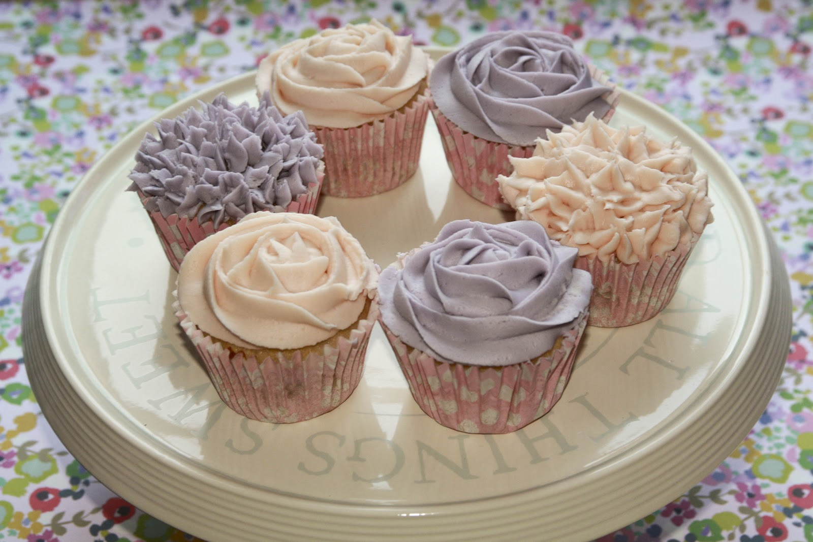 rhubarb cupcakes, sloe gin cupcakes, buttercream, buttercream flowers ...