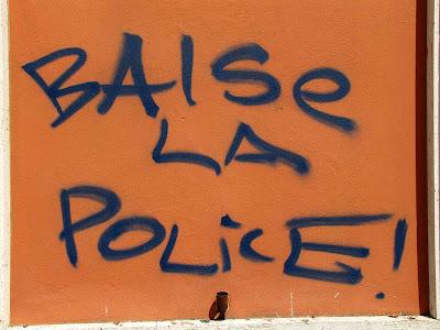 Baise la police, kiss the police, Livorno
