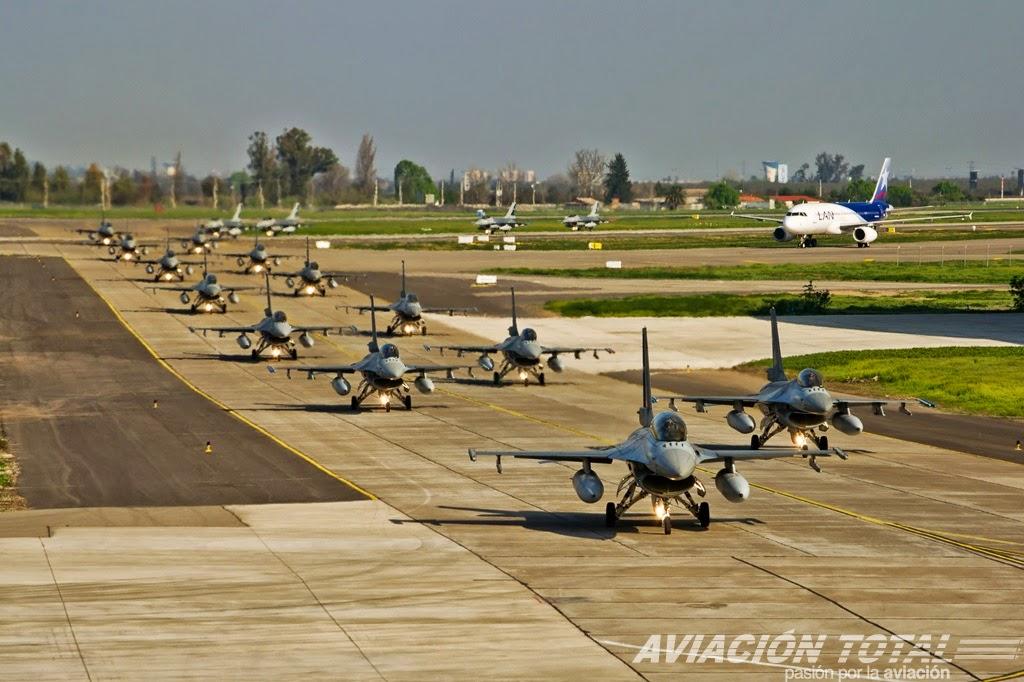 http://www.aviaciontotal.cl/2014/09/parada-militar-2014-operaciones-en-la-ii-brigada-aerea-de-la-fach/