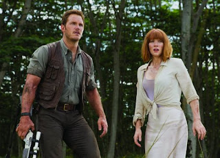 Jurassic World - Bryce Dallas Howard and Chris Pratt