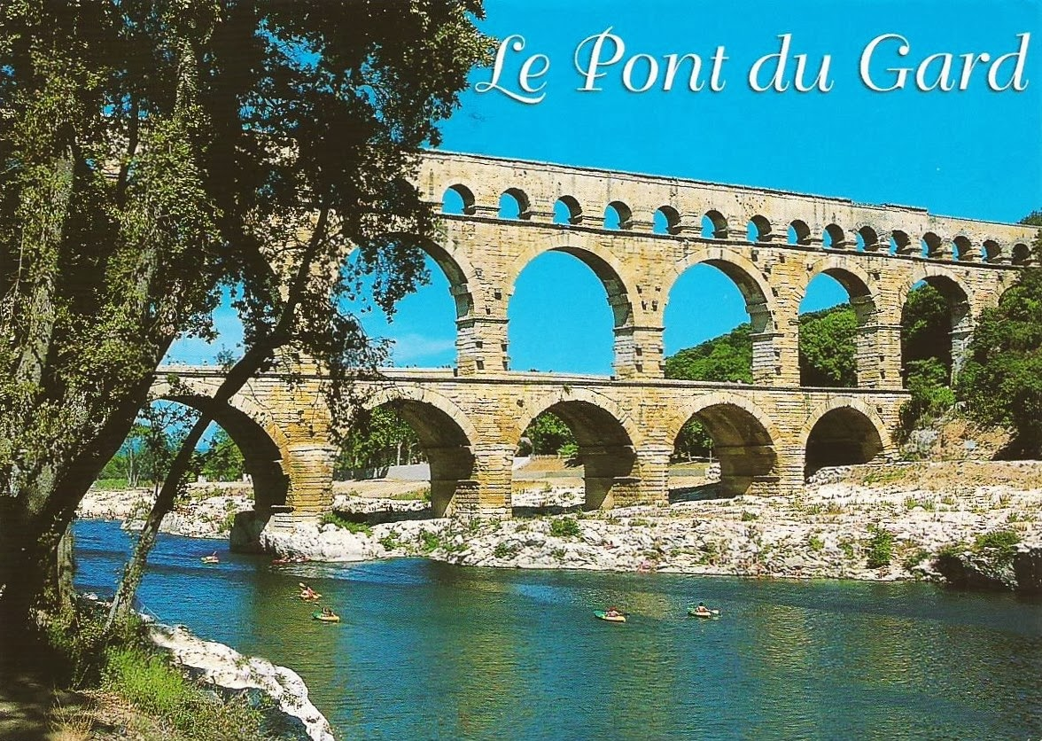 Postcards on my wall pont du gard roman aqueduct for Pont du gard architecte