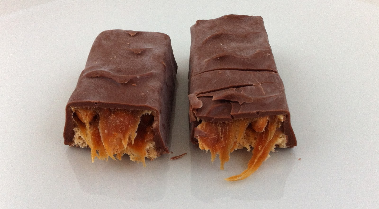 Obsessive Sweets Smirk Chocolate Bar Burnt Cinnamon Lemonhead Lip Smack Box Bars Are The Dairy Kosher Version Of Snickers Theyre Produced By Paskesz Company A Near Century Old Candy Maker And