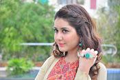 Rashi Khanna new glamorous photos-thumbnail-4