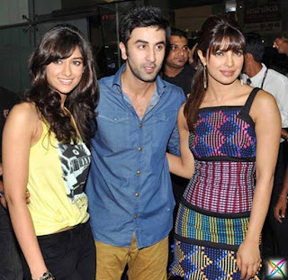 Barfi Official Trailer Ranbir Kapoor News P/Review Movie Images/Photos Videos Online Story