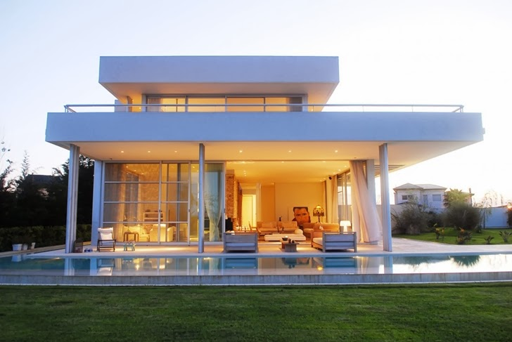 Modern Agua House by Barrionuevo Sierchuk Arquitectas