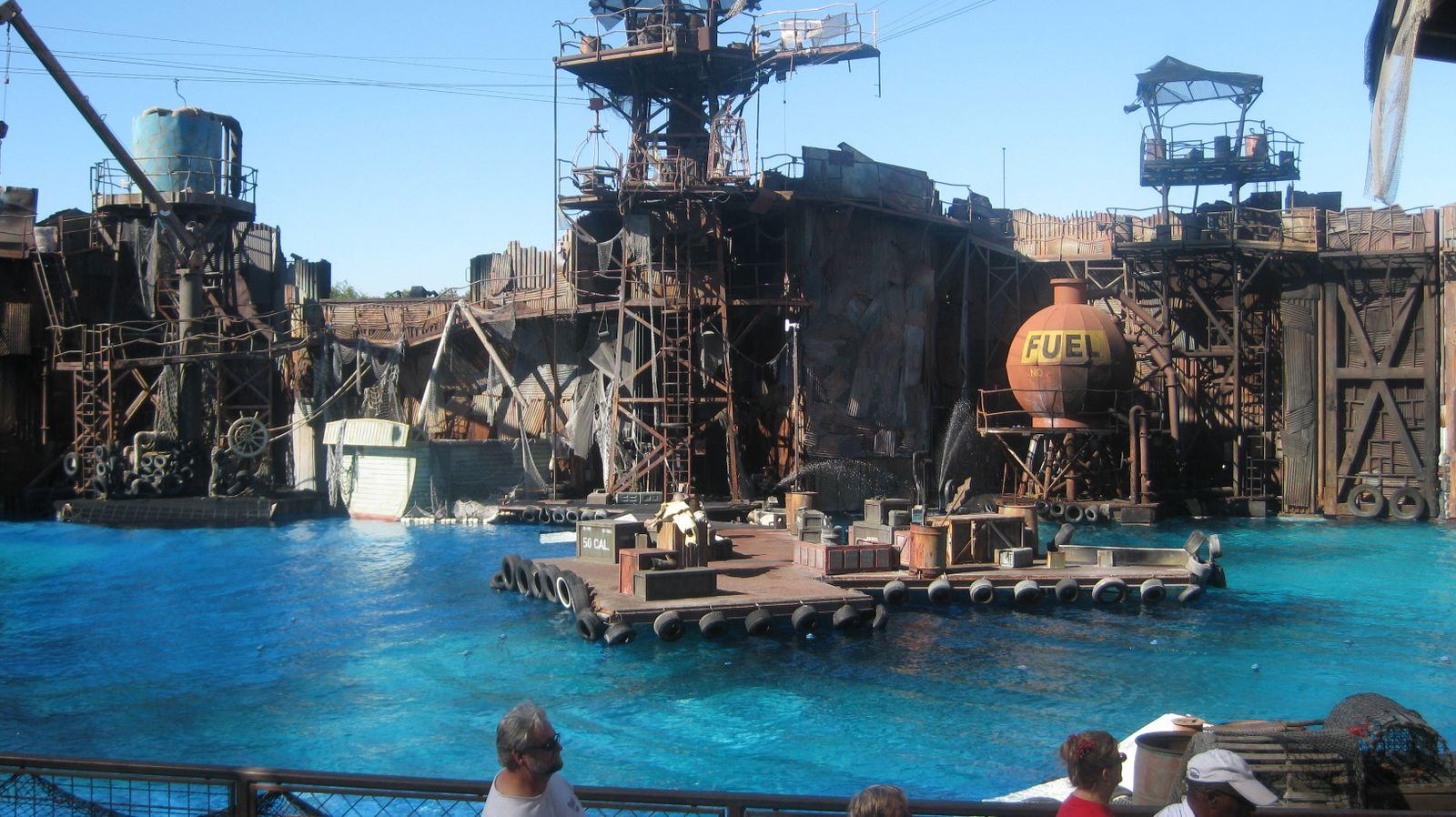 The gallery for --> Waterworld Movie Dennis Hopper