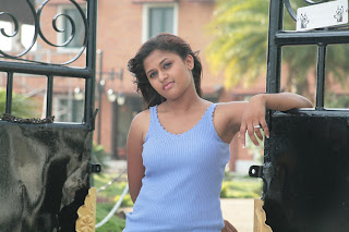 Actress Kiruthika Spicy Gallery (11)