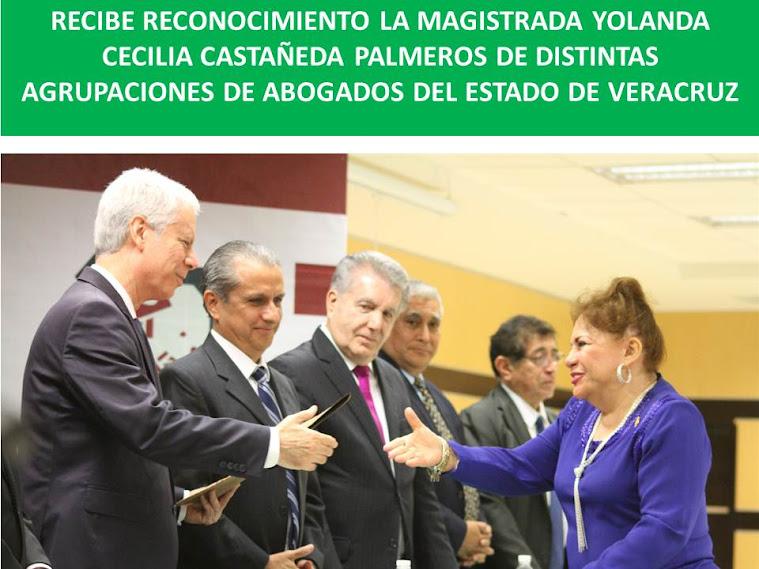RECIBE RECONOCIMIENTO LA MAGISTRADA YOLANDA CECILIA