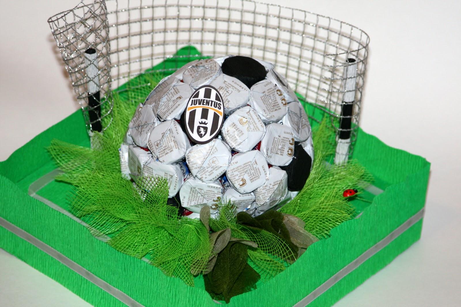 Поделка из футбольного мяча 48