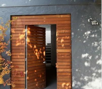 Fotos y dise os de puertas dise os puertas de madera for Disenos puertas de madera exterior