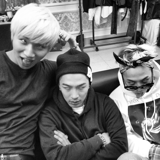 Big Bang Selca Pose Lucu 01