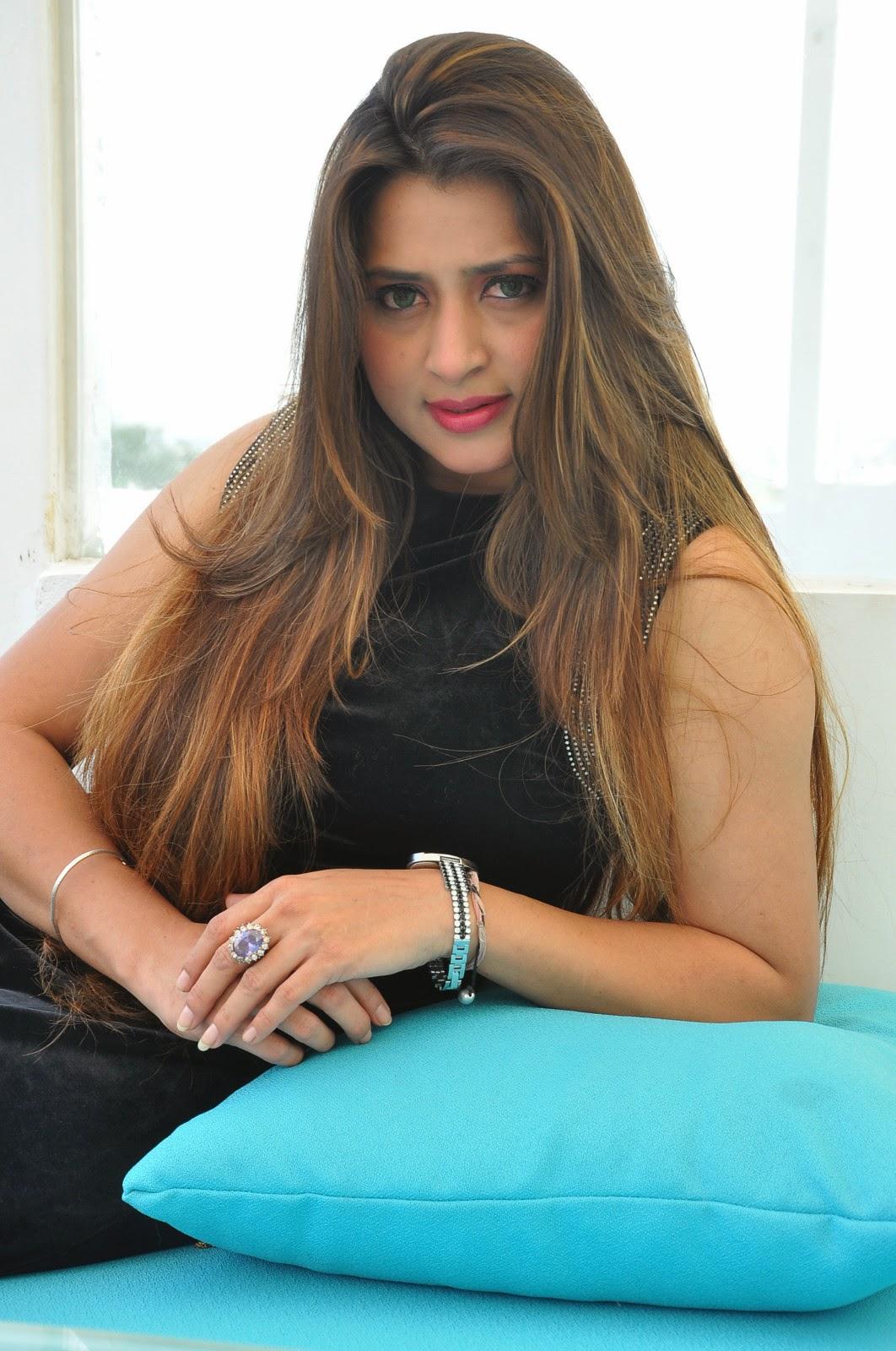 Farah khan glamorous photos-HQ-Photo-14