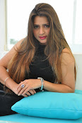 Farah khan glamorous photos-thumbnail-14