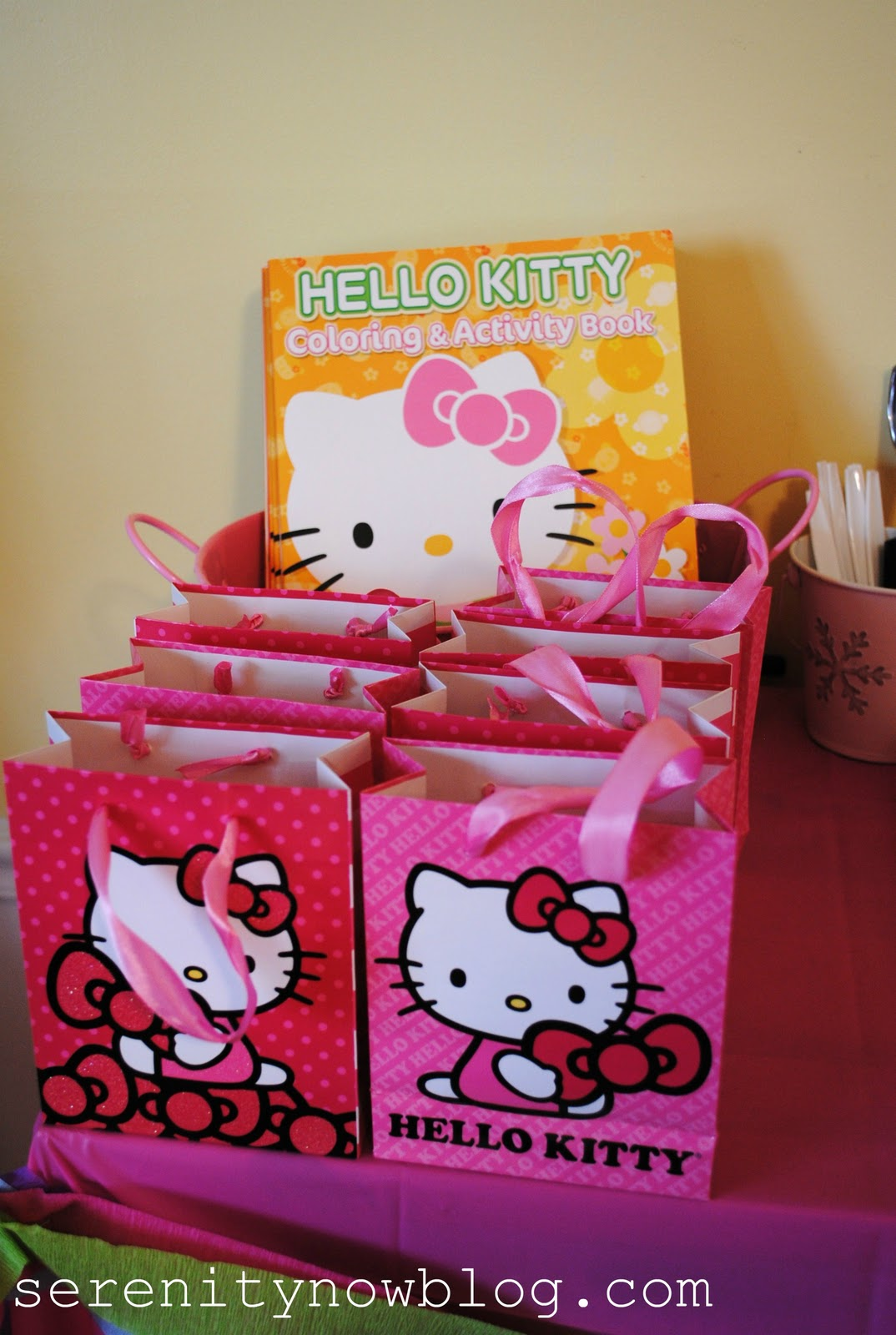 Fun Book to Color with Crayons and Stickers; 2013 Hello Kitty Grab /& Go Play Pack ~ Family and Friends
