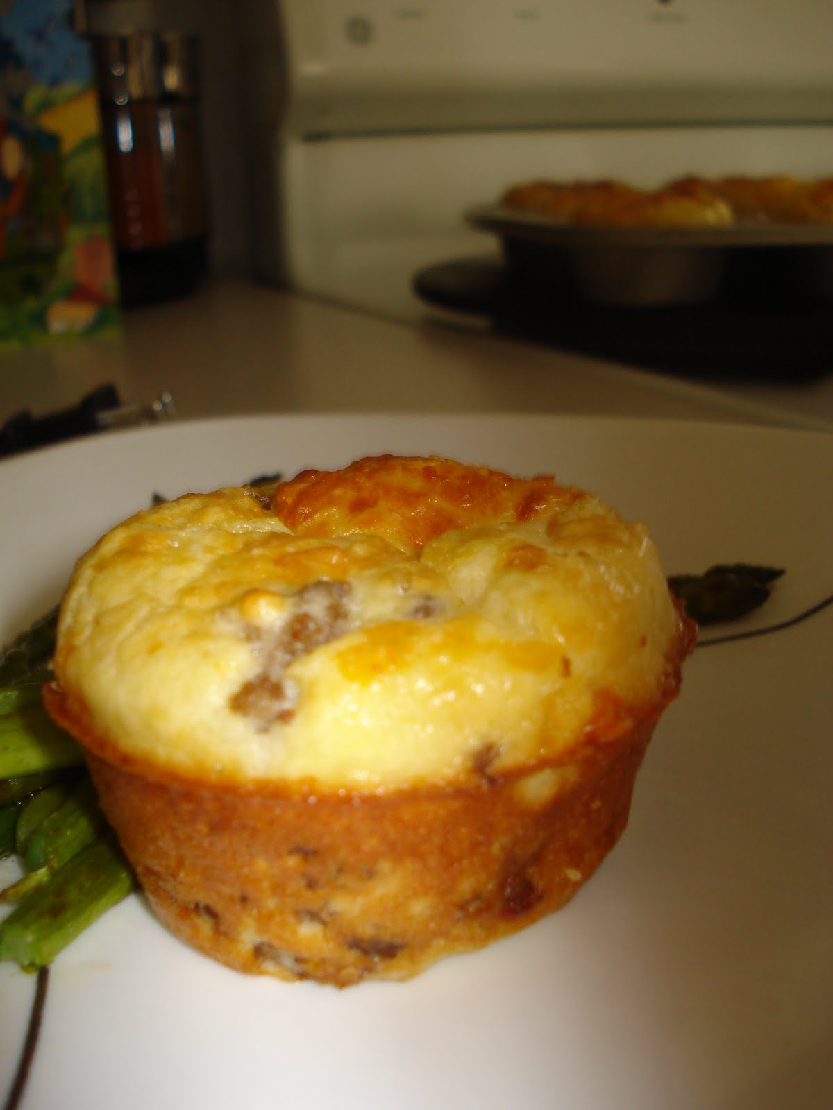 ... from the Heart for the Home: Easy Please. . . Cheeseburger muffins