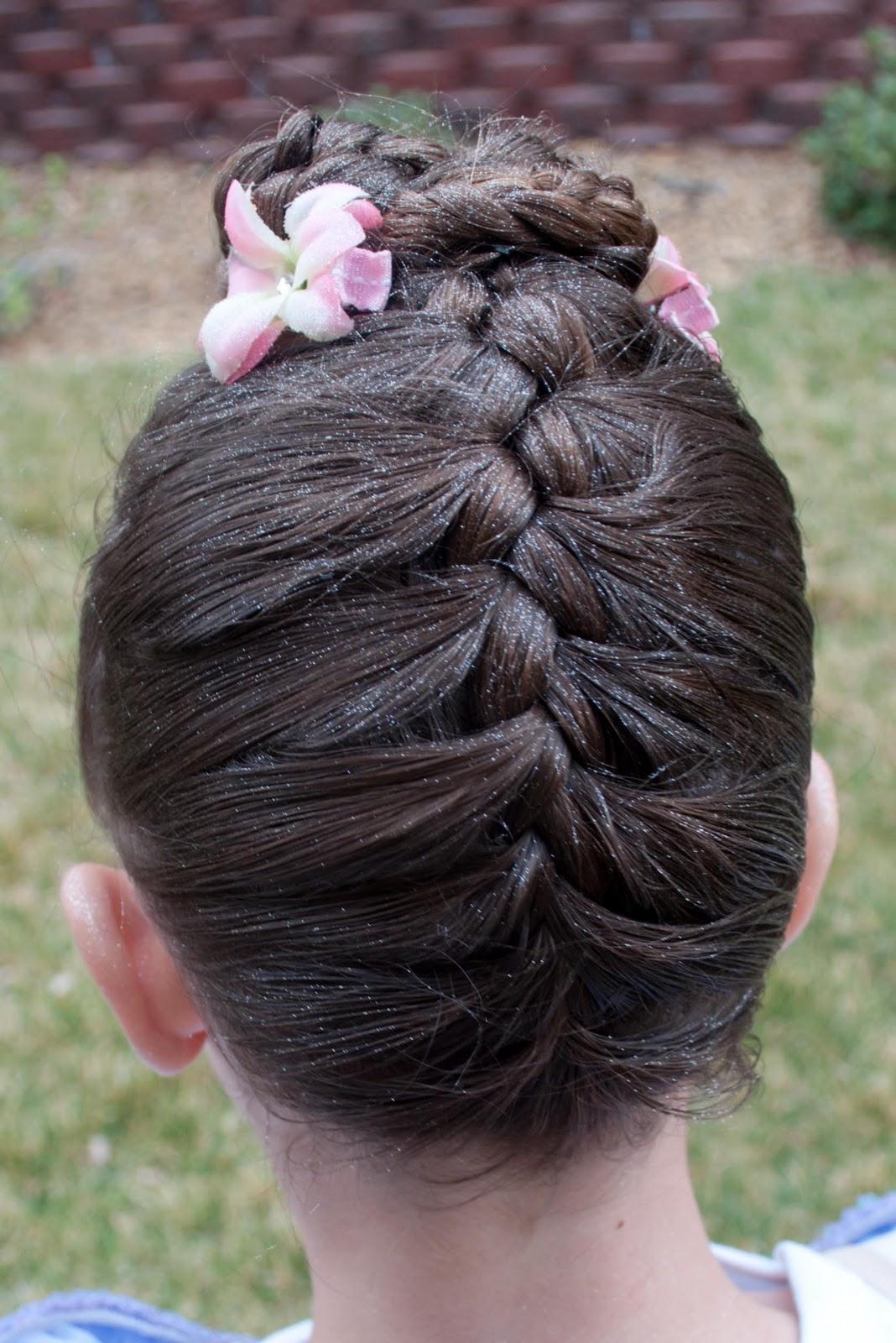 Плетение косы снизу вверх видео