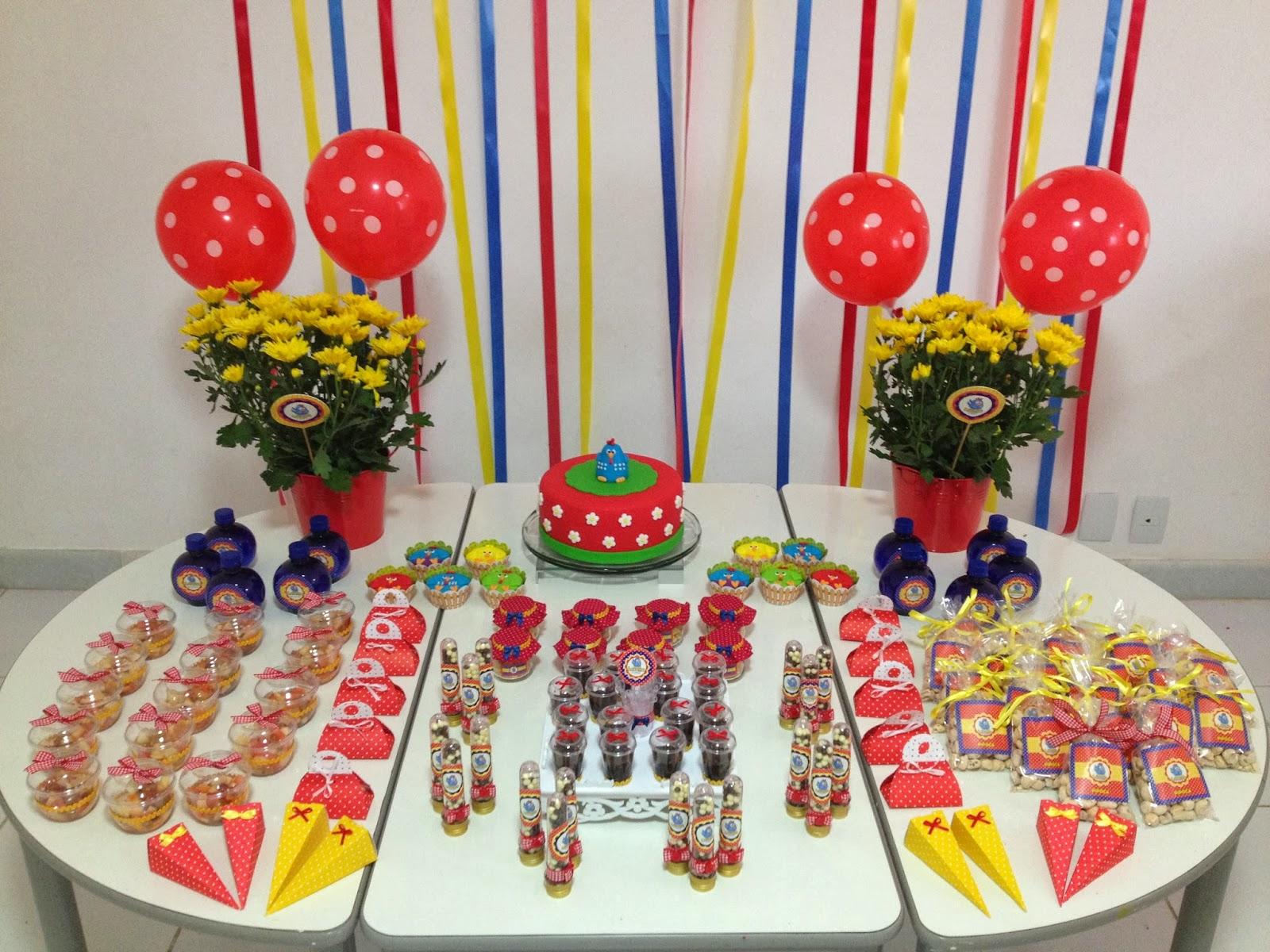 decoracao festa infantil kick buttowski : decoracao festa infantil kick buttowski:Quero Cupcakes: Galinha Pintadinha Festa na escola