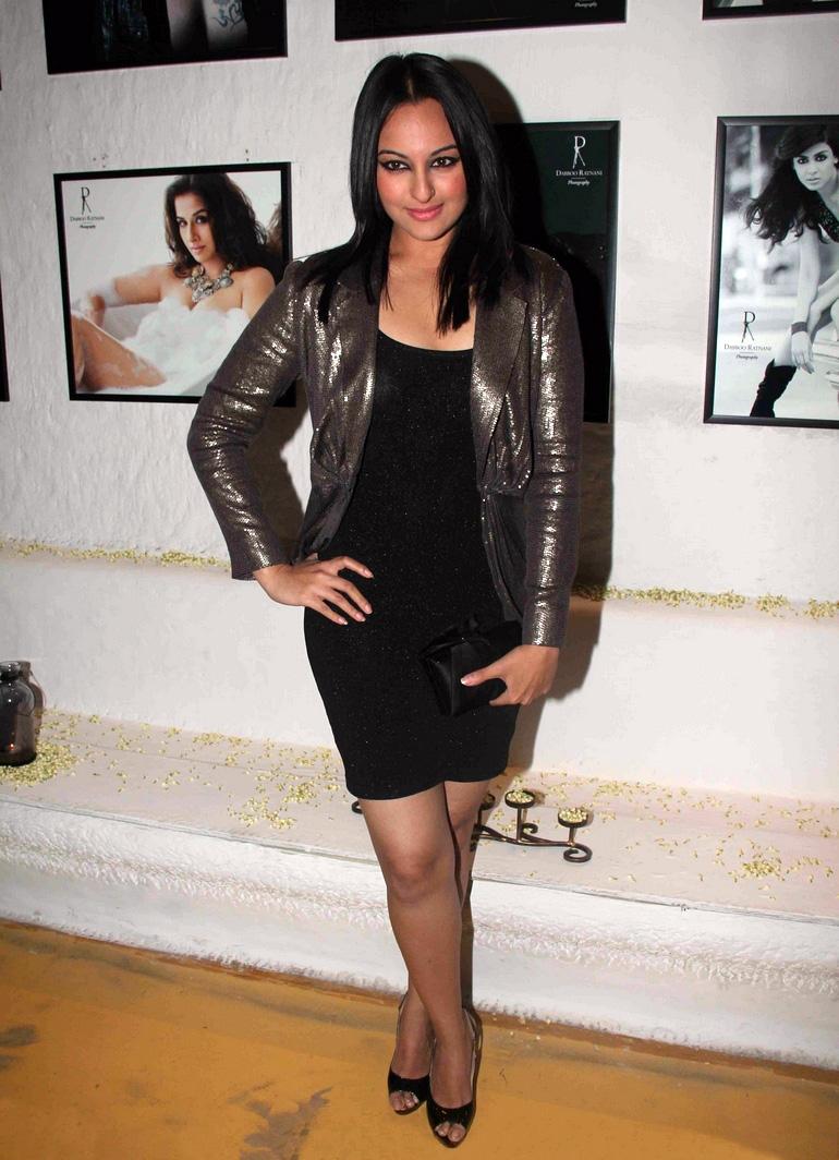Sonakshi Sinha in High Heel Toe Pump at 2012 Dabboo Ratnani Calendar ...