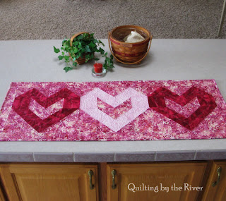 Batik Heart tablerunner at Freemotion by the River