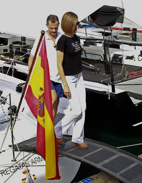 Spanish Royals visit the Royal Nautical Club