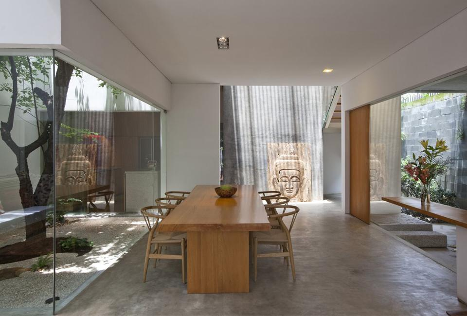 Completed in 2009 this 3 story contemporary house