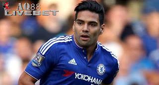 Liputan Bola - Sejak didatangkan dari Manchester United, Radamel Falcao belum sekalipun menjadi starter bersama Chelsea