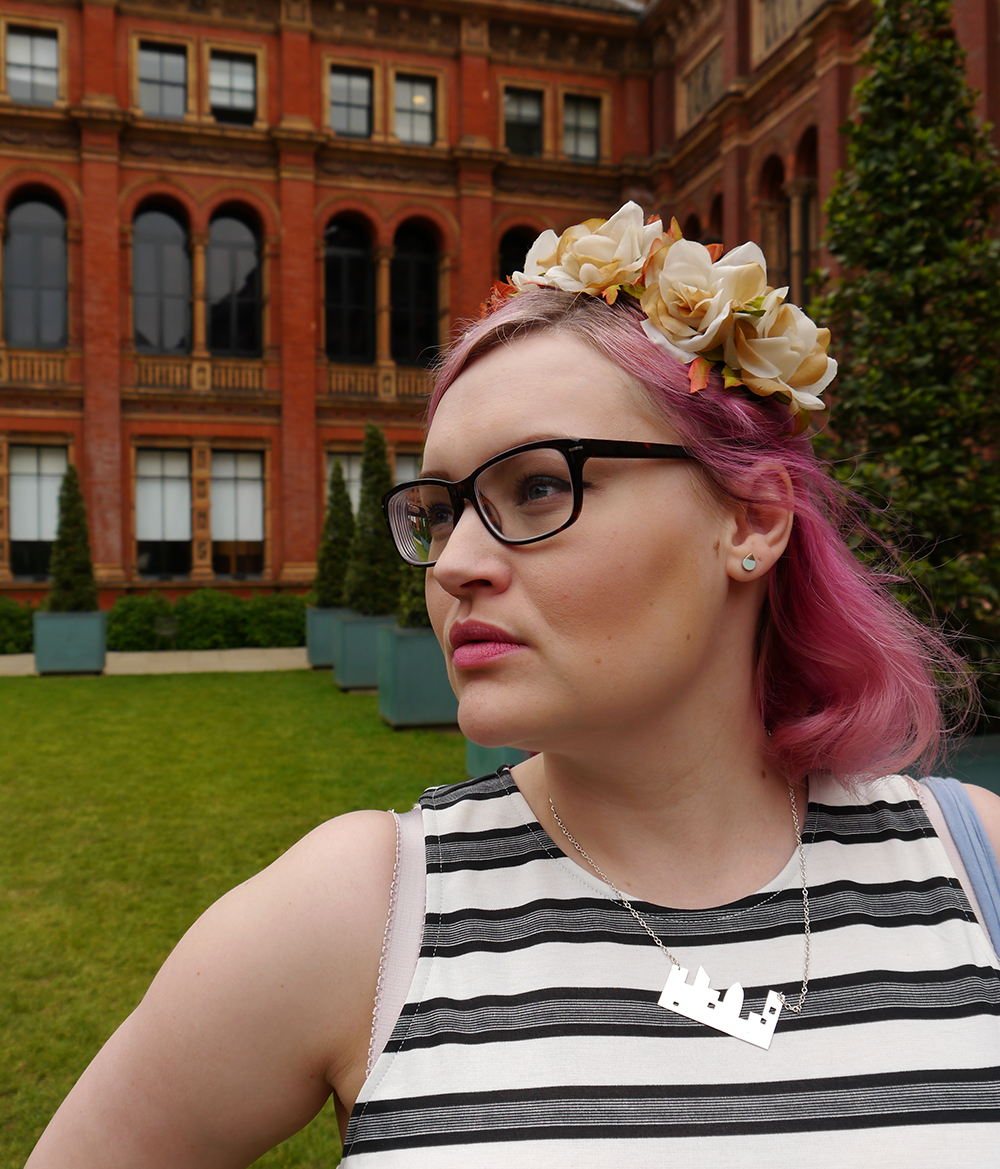 V&A, Savage Beauty, Alexander McQueen, #scotstreetstyle, what to wear, style, Kimberley festival look, rose gold hair, Naomi Murrell, Hannah Zakari, blogger favourite