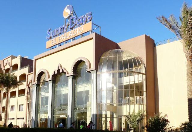 Widok na hotel Sunny Days el Palacio