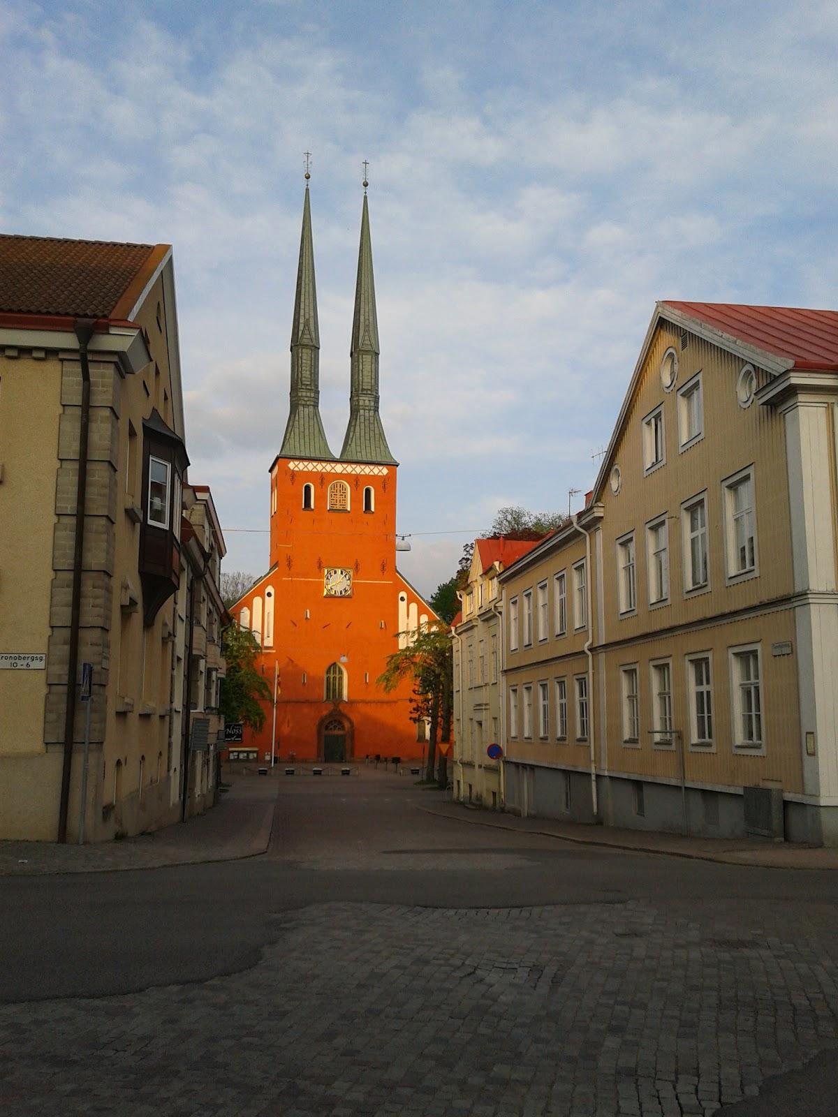 L albergo in cui sono stato era invece a Växjö a circa 20km da Bra¥s Citt me vale molto bella e sede dell accademia di polizia e dell Universit