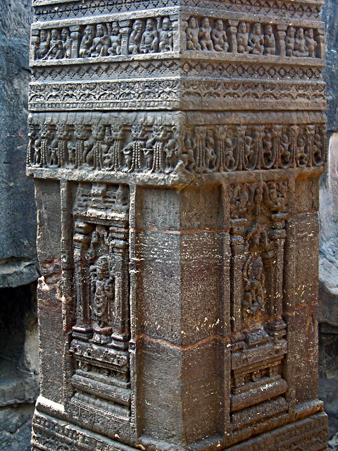 kailashnath pillar design close-up