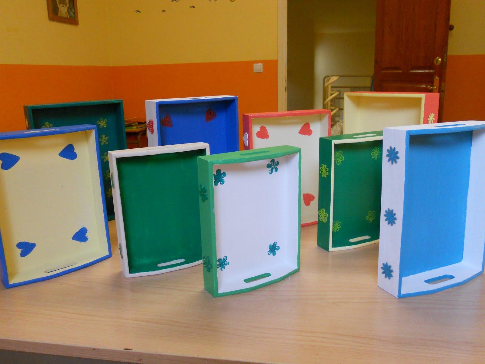 Escuela hogar de soba bandejas de madera decoradas for Bandejas de madera decoradas