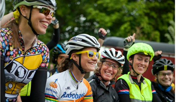 women cyclcing bicycle racing