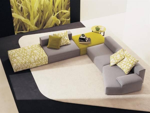 Mobili di prestigio divani e poltrone di molteni c for Divani comodi