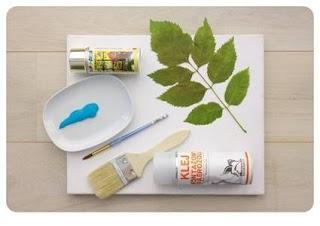 ... beberapa helai daun letakkan daun pada dasar lalu semprot dengan cat