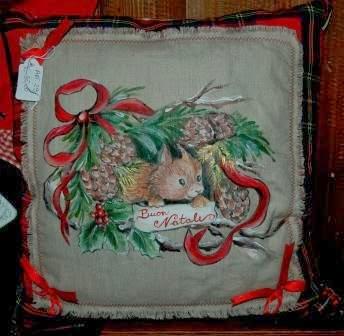 Il mondo di dea cuscino dipinto a mano e decorato con for Cuscini dipinti