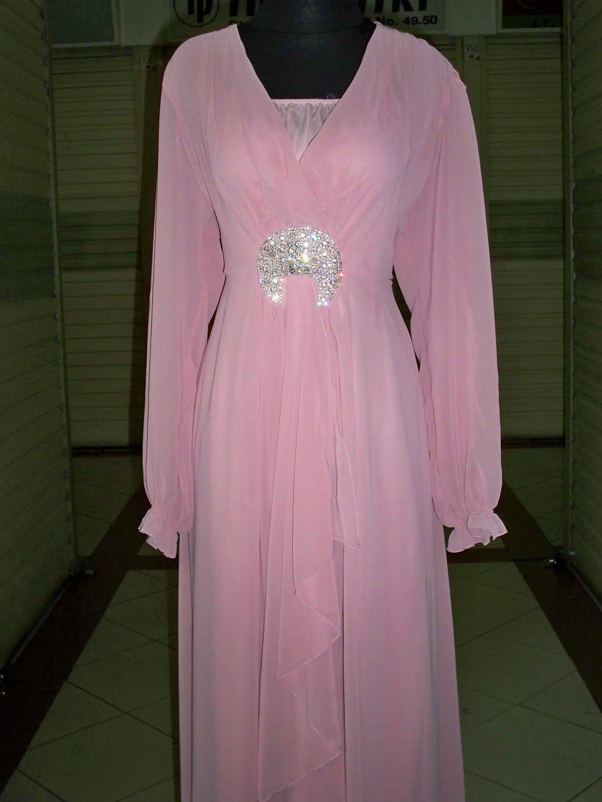 Pin Gaun Pesta 2011 Desain Model Busana Baju Malam Terbaru