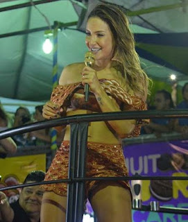 Claudia Leitte fez show nesta quinta (23) no primeiro dia do Fortal, micareta fora de época de Fortaleza, e chamou a atenção pelo corpo sarado. Além disso, estava alegre, simpática e sorridente o tempo todo.