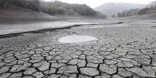 Lit d'une rivière sèche en californie