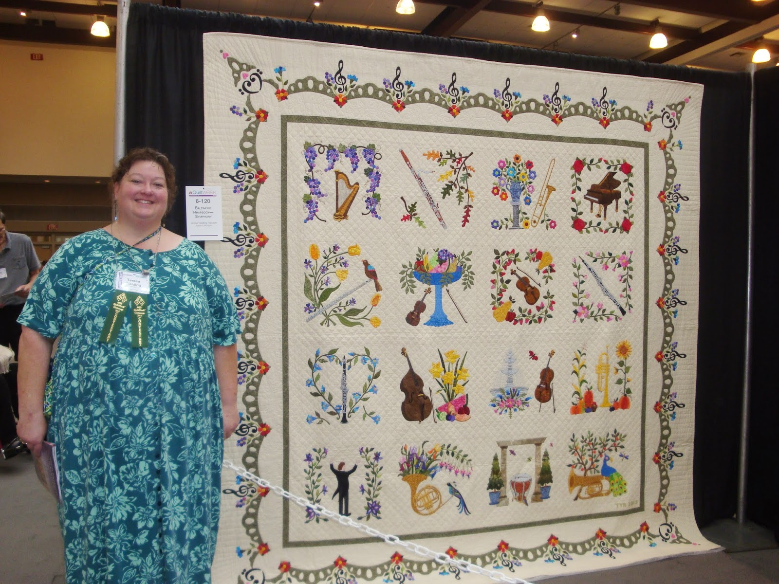 FABRIC THERAPY: 2014 AQS Chattanooga Quilt Show, Part Two... : sauder village quilt show - Adamdwight.com