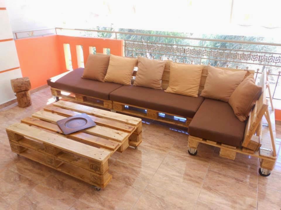 Sof feito com paletes de madeira m veis com paletes for Sofa reciclado