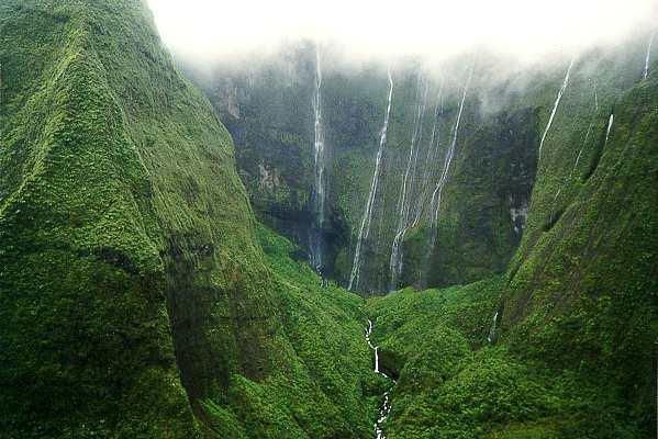 Zanimljivosti iz  geografije - Page 3 Kauai%2BCrater