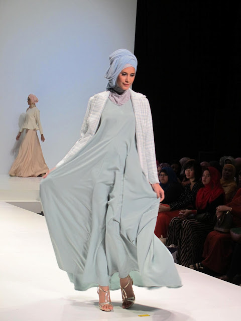 +woman+beauty+muslim+modest+fashion+show+indonesia+islamic+fashion ...