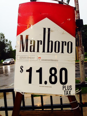 Uptown Chicago cig sign