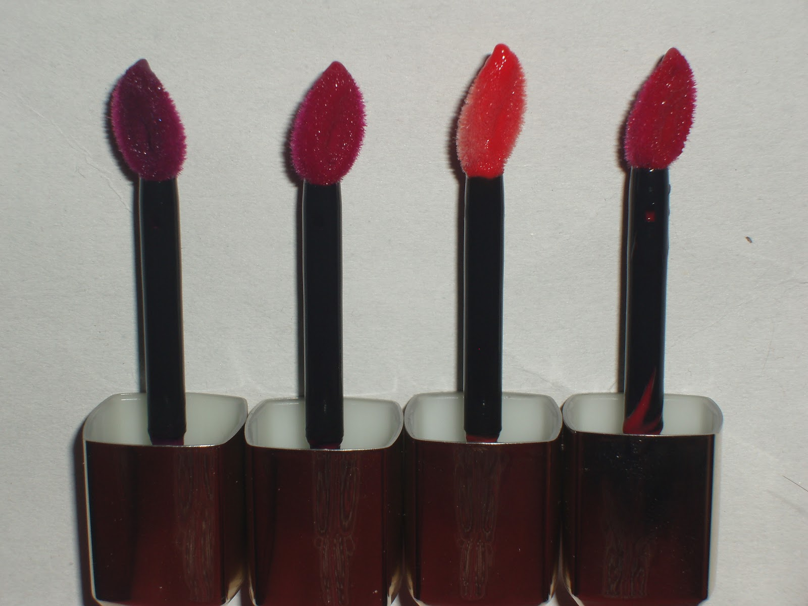 Loreal color caresse by color rich lipstick - L Oreal Colour Caresse Wet Shine Stains Are A Cross Between A Stain And A Gloss The Formula Includes A Blend Of Light Hydrating Oils And Concentrated