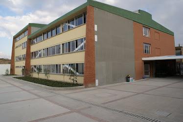 Colegio San Carlos sede A