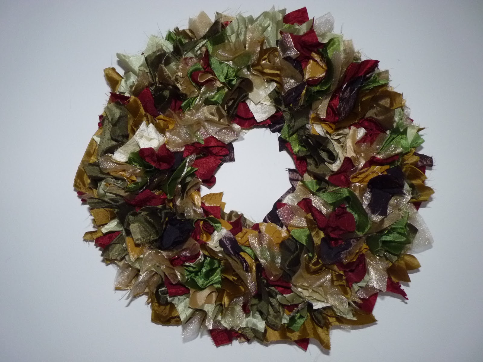 Fine linen and purple easy christmas wreath Simple christmas wreaths