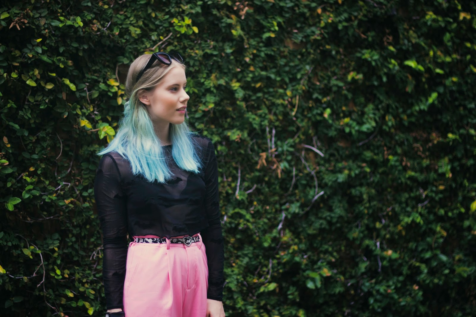 Pip O'Sullivan fashion blog, Philippa O'Sullivan, outsideiscolours, outside is colours, OOTD, fashion blogger outfit, long pink shorts, Front Row Shop high waist pink shorts, pale pink longline shorts, lazy oaf batman crop top, blue ombre hair, turquoise dip dye hair,