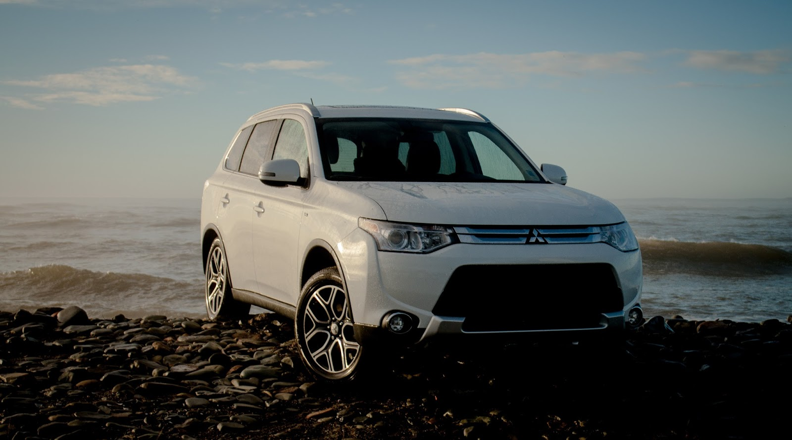 2015 Mitsubishi Outlander GT S-AWC Review - Bigger Or Cheaper Would Be Better - GOOD CAR BAD CAR